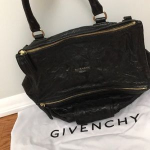 Auth Givenchy lrg Pandora in crinkled lamb leather